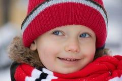 Retrato del invierno del niño pequeño Fotografía de archivo libre de regalías