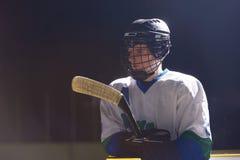 Retrato del jugador del hockey sobre hielo Fotos de archivo libres de regalías