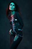 Retrato del modelo hermoso en ropa de la moda foto de archivo
