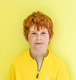 Retrato del muchacho de mirada amistoso Imágenes de archivo libres de regalías