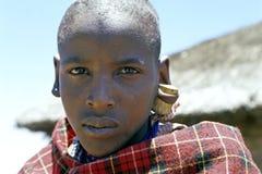 Retrato del muchacho del Masai con el corcho en su oído, Kenia Fotos de archivo