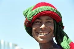 Retrato del muchacho etíope con la cara radiante imagen de archivo