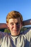 Retrato del muchacho hermoso con el pelo rojo Fotos de archivo
