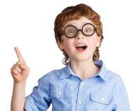 Retrato del muchacho hermoso en vidrios redondos Imagen de archivo libre de regalías