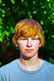 Retrato del muchacho lindo en pubertad Fotos de archivo
