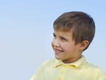 Retrato del muchacho sonriente foto de archivo libre de regalías