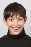 Retrato del muchacho sorprendido sonriente Fotografía de archivo libre de regalías