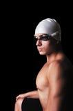 Retrato del nadador de sexo masculino muscular con el equipm completo fotografía de archivo