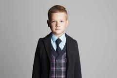 Retrato del niño de la moda Niño elegante Foto de archivo