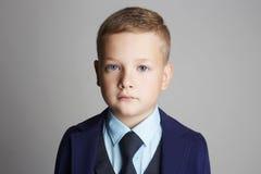 Retrato del niño de la moda Niño elegante Imagenes de archivo
