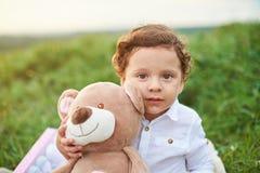 Retrato del niño hispánico del muchacho Fotografía de archivo libre de regalías