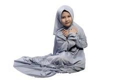 Retrato del niño musulmán asiático con la cara de la sonrisa Foto de archivo libre de regalías