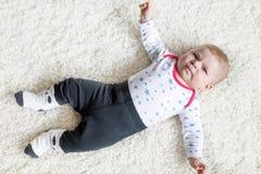 Retrato del niño recién nacido adorable lindo del bebé Fotos de archivo