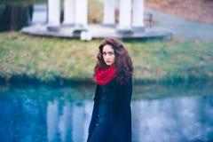 Retrato del otoño de una muchacha Fotos de archivo