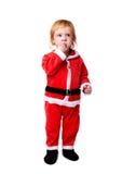 Retrato del pequeño bebé en la habitación roja aislada Imágenes de archivo libres de regalías