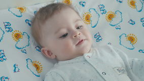 Retrato del pequeño bebé lindo metrajes