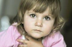 Retrato del pequeño niño muy dulce Fotos de archivo libres de regalías