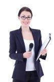 Retrato del periodista de sexo femenino con el aislador del micrófono y del tablero Fotos de archivo