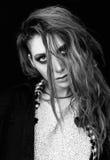 Retrato del primer de la muchacha preciosa triste de la roca del grunge Rebecca 36 Foto de archivo