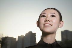 Retrato del primer de la mujer joven afuera, Pekín Foto de archivo