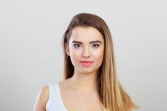 Retrato del primer de la mujer joven del adolescente Imágenes de archivo libres de regalías