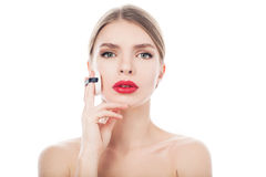 Retrato del primer de una mujer hermosa con la cara de la belleza y la piel limpia Imagen de archivo