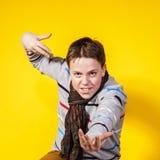 Retrato del primer del adolescente en estudio Foto de archivo libre de regalías