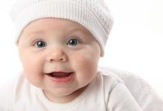 Retrato del primer del bebé lindo que desgasta un sombrero Imágenes de archivo libres de regalías