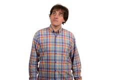 Retrato del primer del hombre joven pensativo en camisa a cuadros Fotografía de archivo