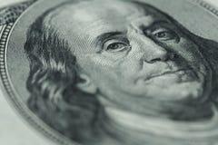 Retrato del ` s de Benjamin Franklin en cientos billetes de dólar Imágenes de archivo libres de regalías