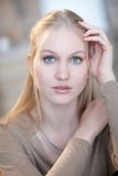 Retrato del tipo nórdico mujer foto de archivo