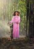Retrato del vestido tradicional de la muchacha vietnamita, Imagen de archivo