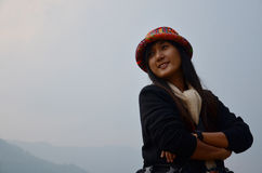 Retrato del viajero en el lago Phewa adentro de Pokhara Nepal Fotos de archivo libres de regalías