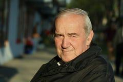 Retrato del viejo hombre pensativo Fotografía de archivo libre de regalías