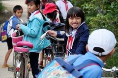 Retrato do aluno asiático após a escola Fotos de Stock Royalty Free