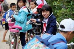 Retrato do aluno asiático após a escola Imagem de Stock