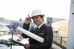 Retrato do arquiteto asiático novo Fotos de Stock
