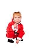 Retrato do bebê bonito pequeno no vermelho fotos de stock royalty free