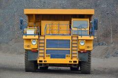 Retrato do caminhão basculante Fotos de Stock Royalty Free