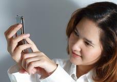Retrato do close up da mulher de negócio nova bonito Imagem de Stock Royalty Free
