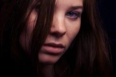 Retrato do close up da mulher nova Imagem de Stock