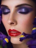 Retrato do Close-up da mulher nova da beleza Foto de Stock