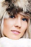 Retrato do close up de fascinar louro de olhos azuis imagens de stock royalty free