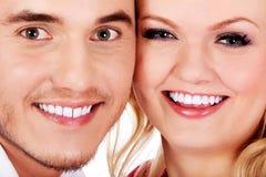 Retrato do close up de pares novos bonitos fotografia de stock royalty free