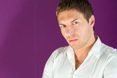 Retrato do close up de um homem bonito Imagens de Stock Royalty Free