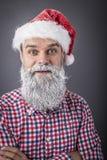 Retrato do close up de um homem considerável com a barba congelada que veste san Fotografia de Stock Royalty Free
