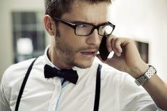 Retrato do close up de um homem telefonando Imagem de Stock Royalty Free
