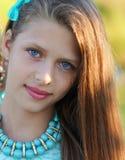 Retrato do close up de uma menina bonita fotografia de stock