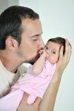 Retrato do close up do homem e do bebê Fotografia de Stock Royalty Free