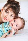 Retrato do close up do mum e do bebê Imagem de Stock Royalty Free